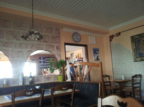 Alexander Griechisches Restaurant: view from the back section