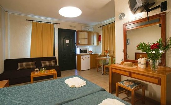 Rainbow Apartments: Rainbow Hotel