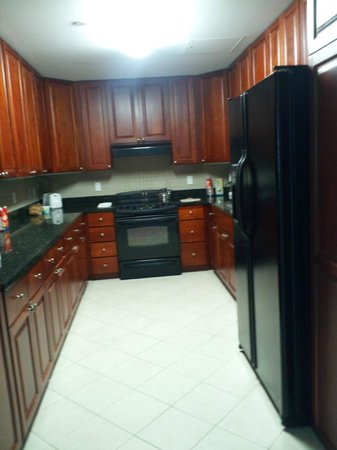 Broadway Residences and Suites : Kitchen