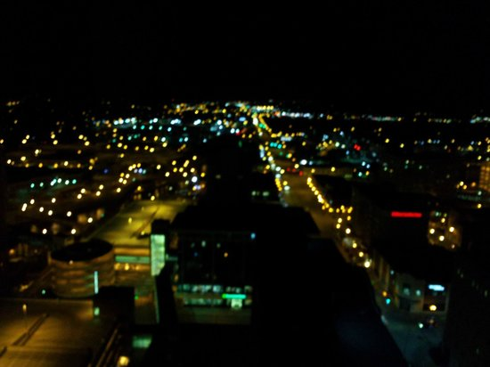 Broadway Residences and Suites: Night View (20th floor)