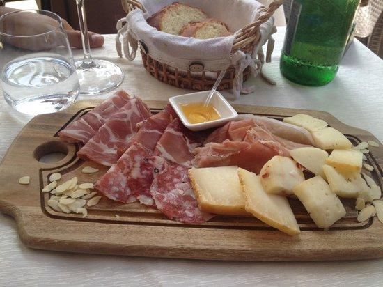Il Guercio di Puglia: Tagliere salumi e formaggi