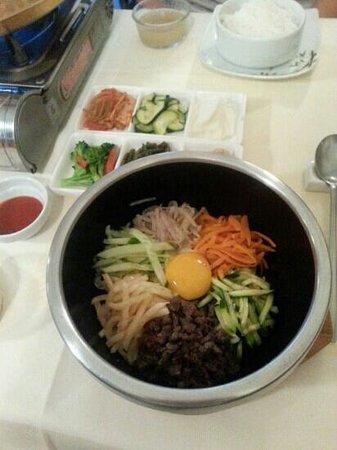Oh Chapeau : riz aux légumes variés boeuf et oeuf.
