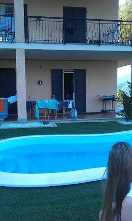 Tenuta Domine: Garten mit pool