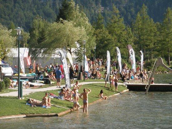 Obertrauner Hof: by the lake