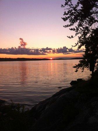 Ash River Visitor Center: Natural lake beauty