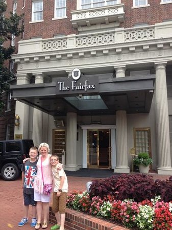 The Fairfax at Embassy Row, Washington D.C.: the lovely entrance way that makes promises the interior delivers