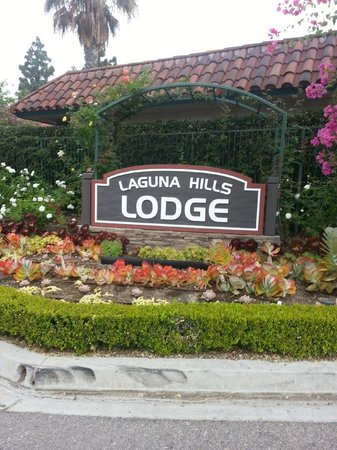 Laguna Hills Lodge: Back entrance to Hotel