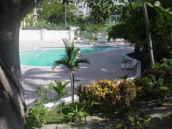 Regattas of Abaco: The swimming pool
