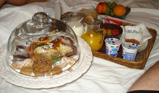 Abaco Home Bed and Breakfast: Colazione