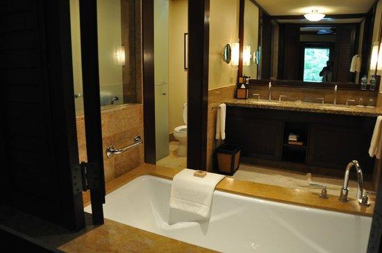Four Seasons Resort Costa Rica at Peninsula Papagayo: The wash room