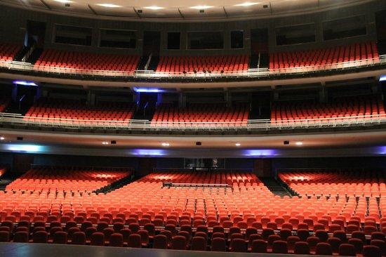 Centro Cultural de Acapulco: Muy bonito teatro
