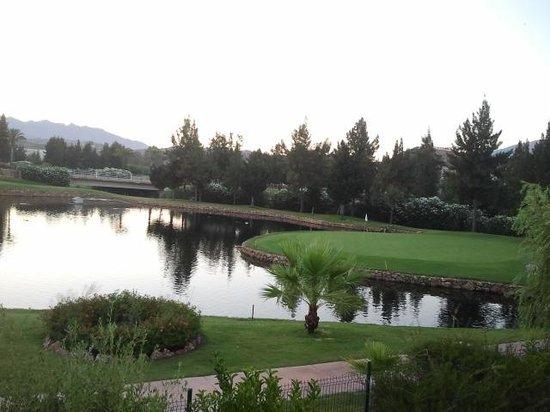 CalaMijas Hotel: VIstas al campo de golf