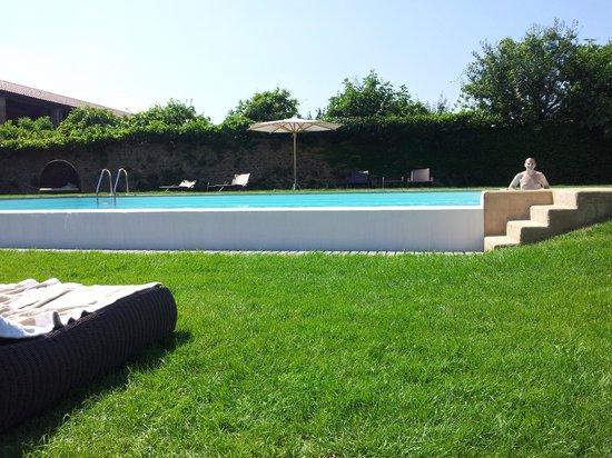 Relais Corte Guastalla: piscina