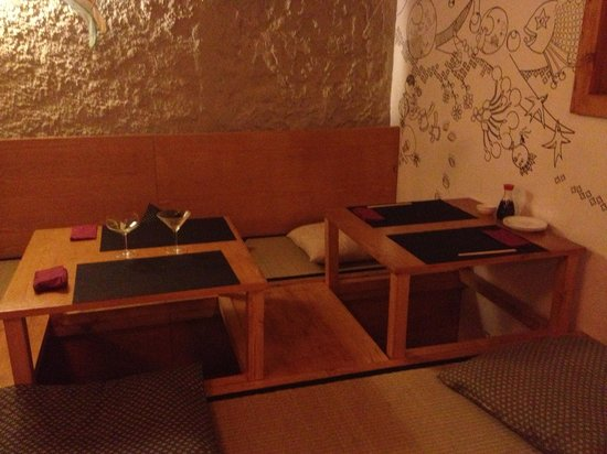 The Tatami Room: Traditional Japanese Seating Options