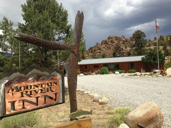 Mountain River Inn Bed and Breakfast