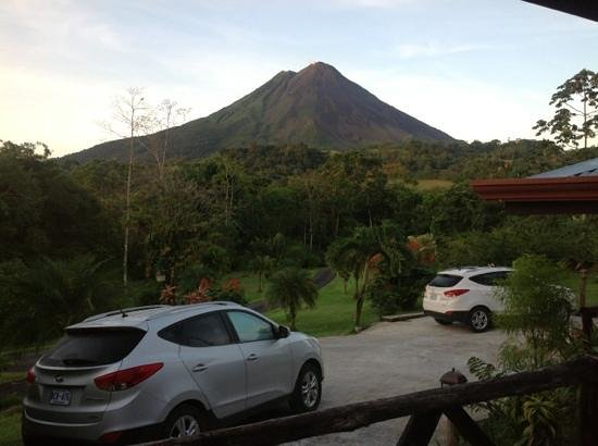 Hotel Kokoro Arenal: A view from our deck