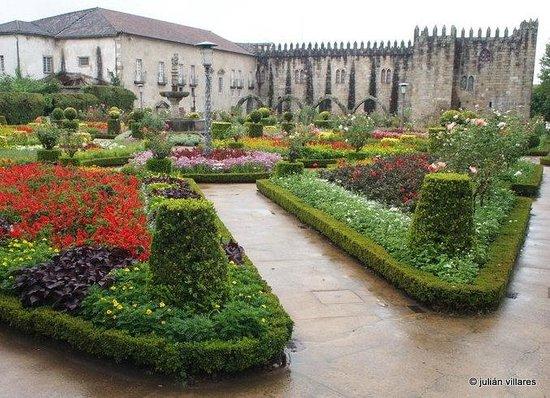 The Garden of Santa Barbara: Jardin de Santa Barbara