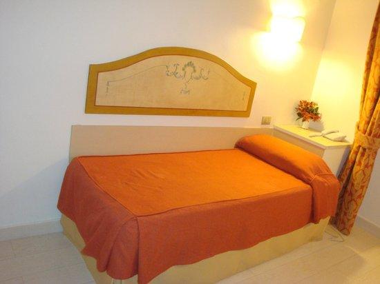 Hotel Virgilio: chambre au virgilio