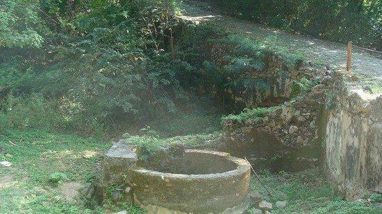 Baia do Sancho: um lugar que encontramos em nossas caminhadas