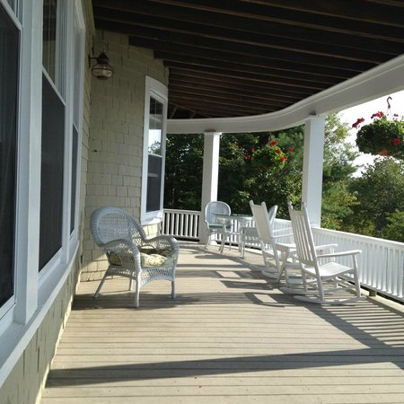 Grey Havens Inn : Big porch for big thoughts