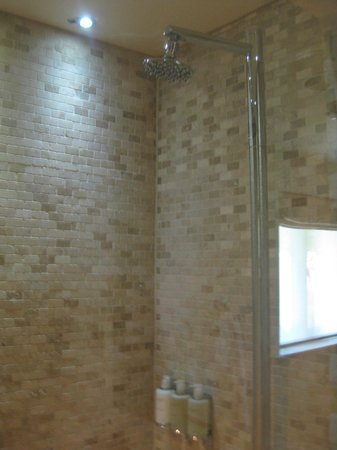 Barnsley House: Shower room/Steam room