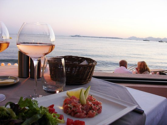 Cap Riviera : A nice view and some beef tartar