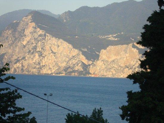 Casa Gabriele : Blick vom Balkon auf den See