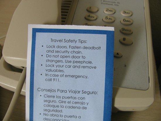 Motel 6 Portland: carte laissée sur le téléphone
