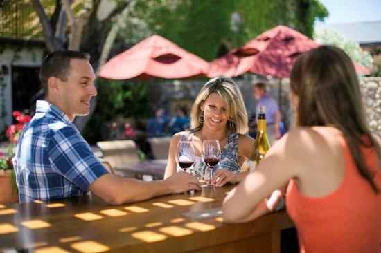 Grgich Hills Estate: Wine tasting in front of Grgich Hills