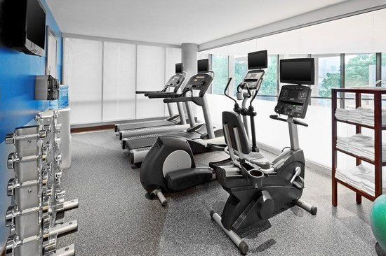 Four Points by Sheraton Long Island City Queensboro Bridge: Fitness Center