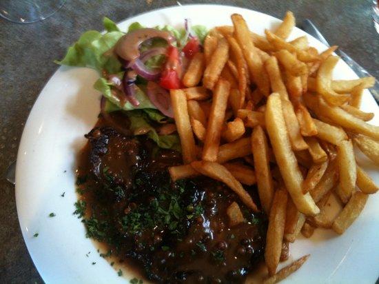 Le Vintage Cafe: Viande a la sauce au poivre