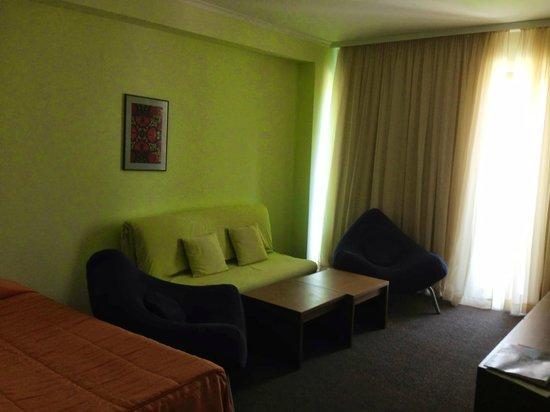 Jeravi Hotel : вторая комната