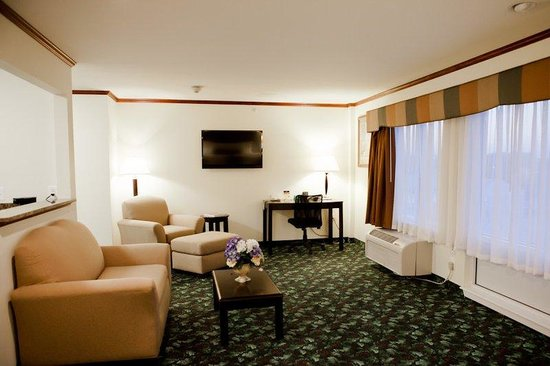 Executive Inn - Park Avenue Hotel: Executive Suite