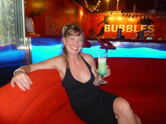 Stella Di Mare Beach Hotel & Spa: Enjoying cocktails in the disco ...... great tunes !!!