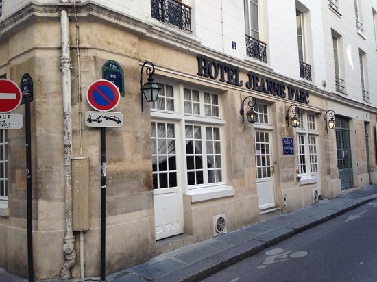 Hotel Jeanne d'Arc : View from the rd