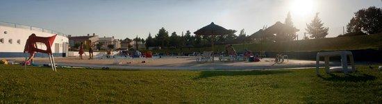 Aldeamento de Palmela: panoramic picture of the swimming pool