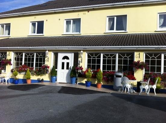 Simple Rooms Excellent Customer Service Review Of Teach Na Coiribe Galway Tripadvisor