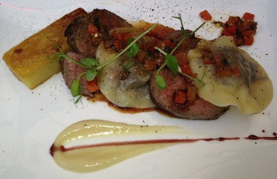 The Bangalore Polo Club: Eye fillet, Pommes Anna and oxtail ravioli