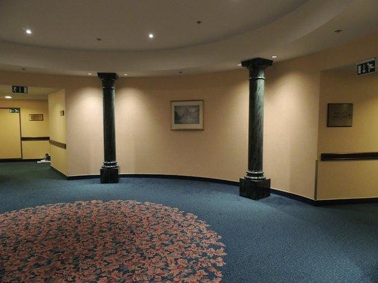 Hilton Antwerp Old Town: Pasillo