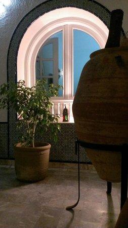 Villa Phoenicia: chiostro della villa