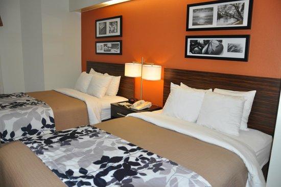 Sleep Inn: Two Double Bedroom