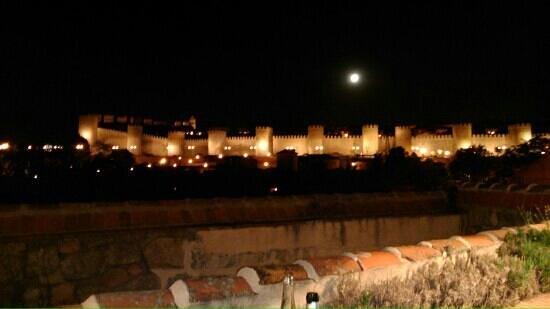 El Almacén: la Muralla vista desde la terraza