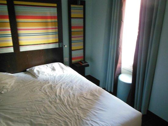 Hotel Courcelles Etoile : chambre supérieure