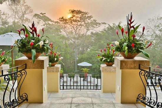 San Ignacio Resort Hotel: Early morning view from the lobby