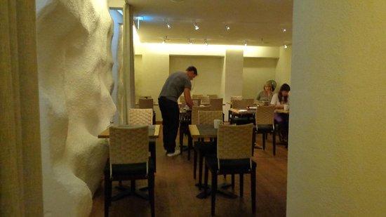 GLO Hotel Art: sala colazione