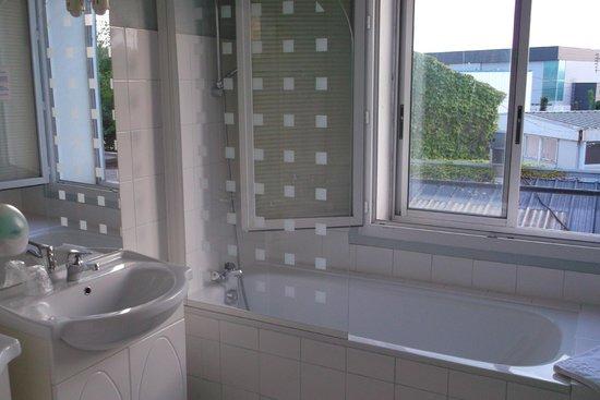 Inter Hotel Les Oceanes: Superbe salle de bains