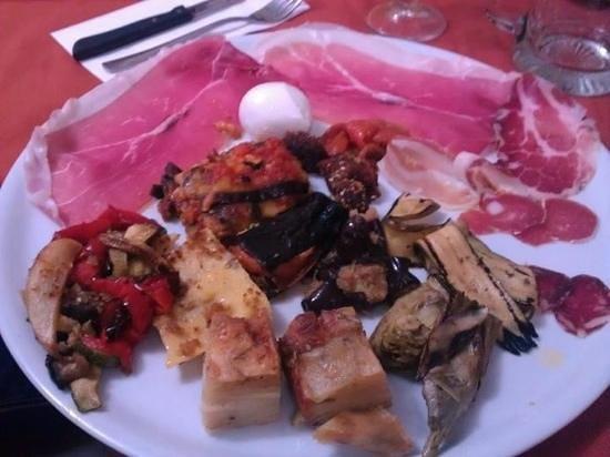 Caselle in Pittari, Itália: ristorante Pizzeria La Pietra Azzurra Antipasto