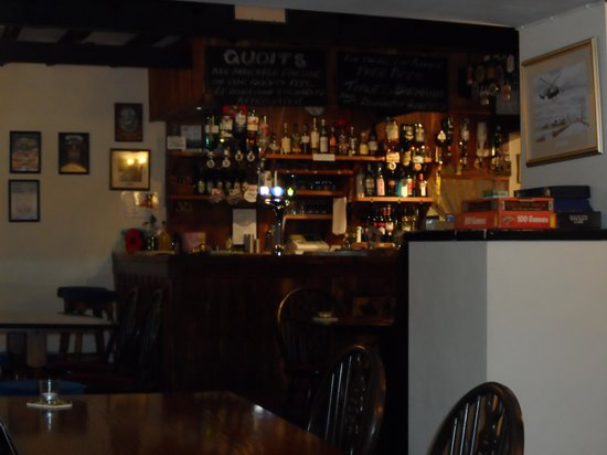 The Cross Keys Inn: Bar at Cross Keys