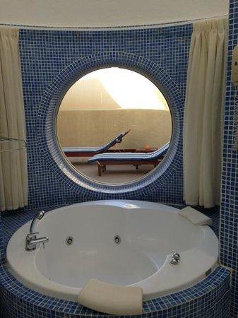 VIK Suite Hotel Risco del Gato: parte del bagno...