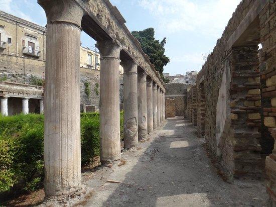 Ruins of Herculaneum: Colonnato